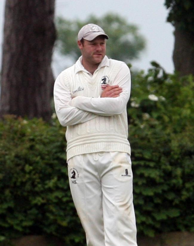 .Picture: Steve Wheeler.Match:  Cricket Great & Little Tew v Banbury.Date: 27th May  2017   .Location:  The Taylor Oval.Caption: Tews capt Harry Smith......