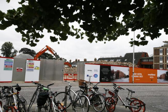 Hotel says smell at construction site is not gas-related