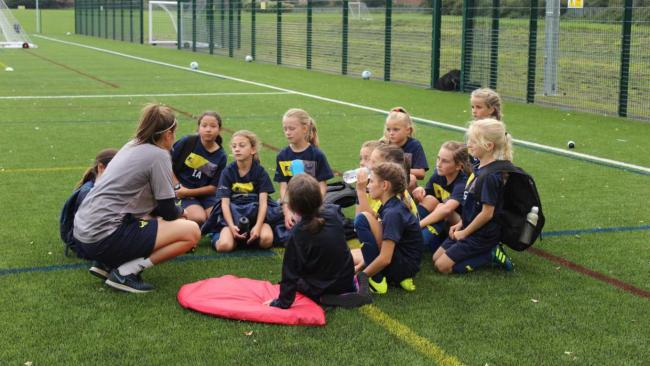 Oxford United's charity to give free coaching sessions during pandemic