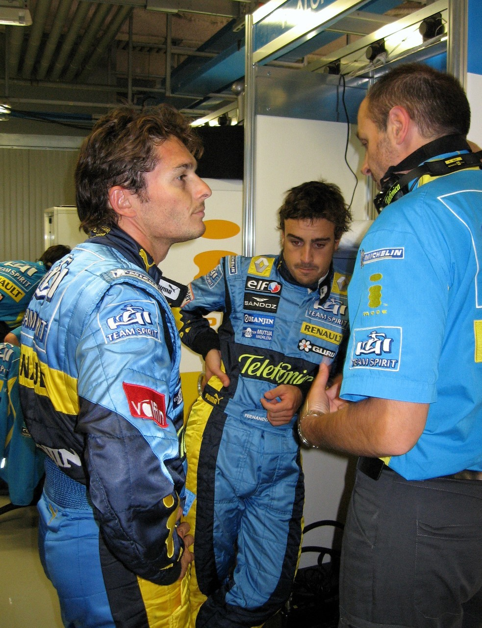 Christian Silk with Renault drivers Giancarlo Fisichella (left) and Fernando Alonso (centre). Picture: Peter Heil