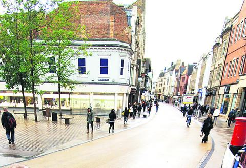 Oxford City Council wants to lift the daytime block on cycling along Queen Street