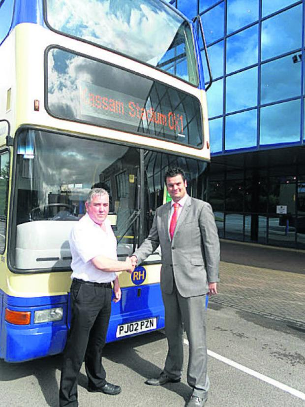 thisisoxfordshire: Dilwyn Roberts from RH Coaches and U's business development manager Owen Clark