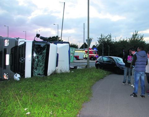 thisisoxfordshire: The overturned lorry