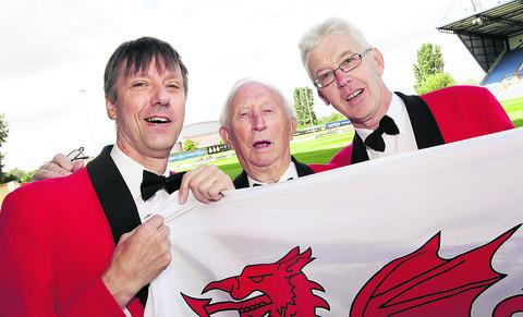 thisisoxfordshire: Left to right, Paul Harrison, Ted East and George Jenkinson of the Oxford Male Welsh Choir are looking forward to London Welsh rugby union club playing at the Kassam Stadium. Picture: OX54064 Damian Halliwell