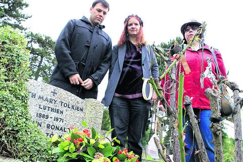 thisisoxfordshire: Tolkien fans pay tribute at his graveside