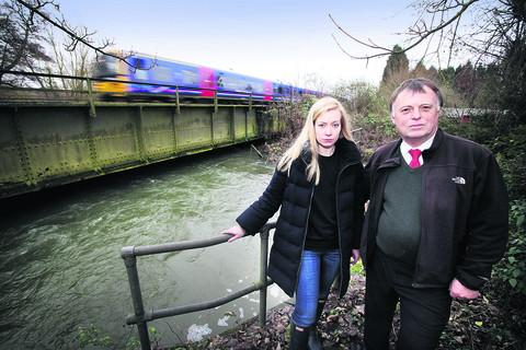 Oxford MPs Andrew Smith and Nicola Blackwood by the Hinksey Stream