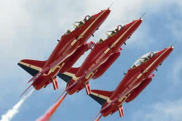 thisisoxfordshire: The Red Arrows