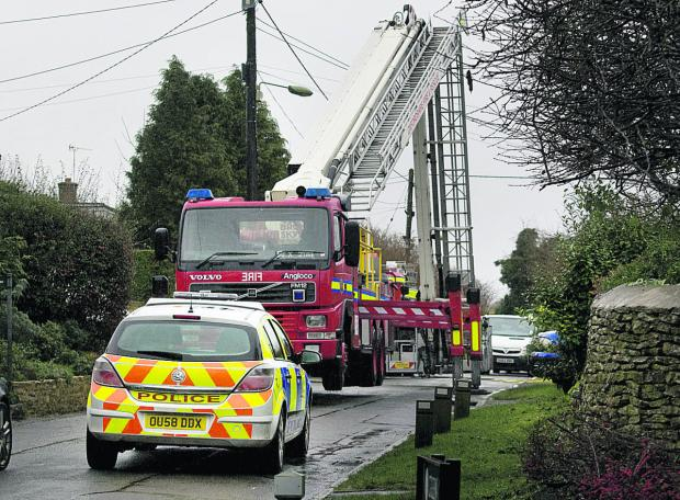 thisisoxfordshire: Police close Green Lane after the fatal fire