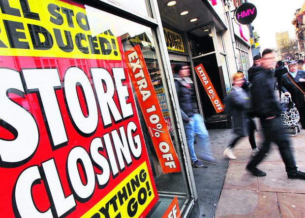 thisisoxfordshire: HMV is finally closing down on Cornmarket Street