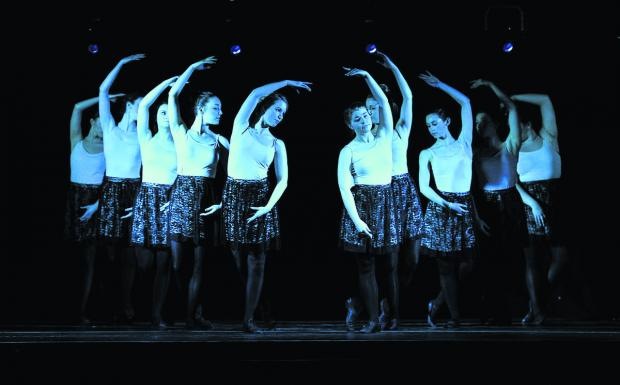 More than 20 students participated in the performance by Oxford Brookes Dance Society. Picture: OX66194 Mark Hemsworth