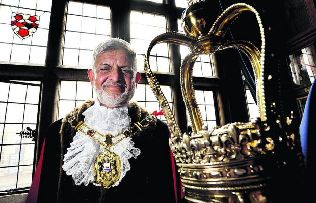 thisisoxfordshire: Mohammed Abbasi is the new Lord Mayor of Oxford