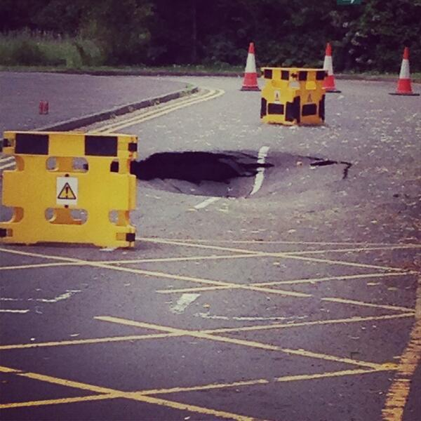 thisisoxfordshire: The sink hole, from reader @GrundyOxford