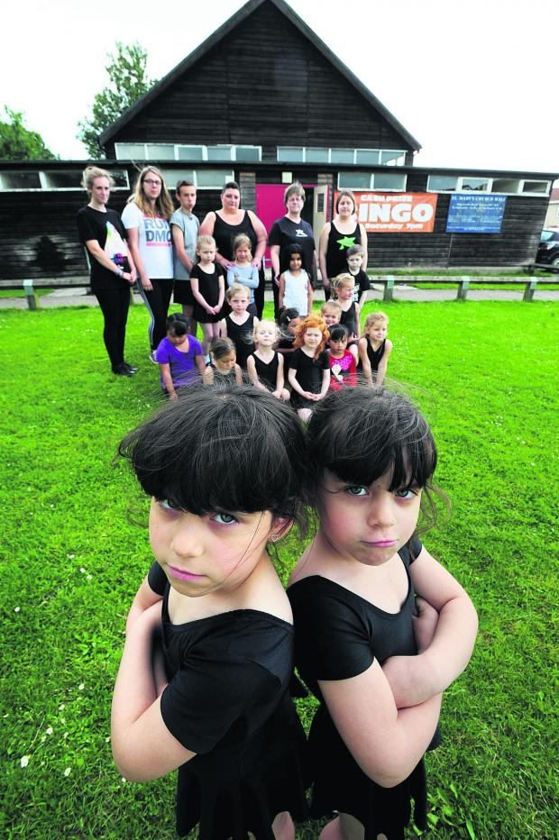 thisisoxfordshire: Five-year-old twins, Roxy, left, and Ruby Wickson with dancers and instructors
