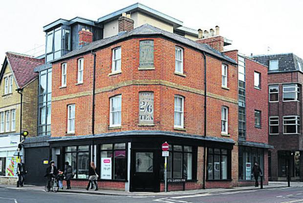 The building on the corner of Walton Street and Little Clarendon Street