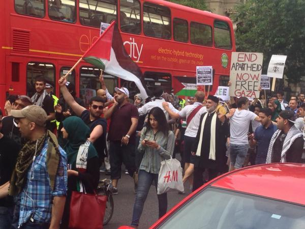 thisisoxfordshire: 'Free Palestine' march holds up traffic in city centre