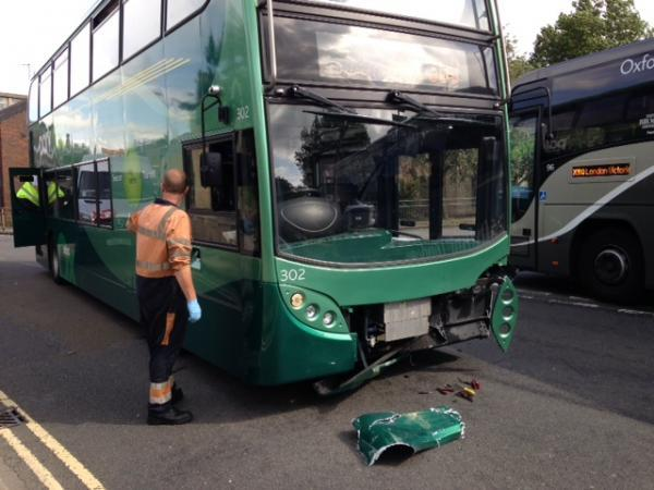 thisisoxfordshire: Bus crash in Thames Street