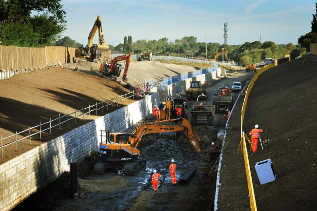 Network Rail workers press on with the project to link Oxford station and the new Oxford Parkway Station at Water Eaton. This view is taken from the bridge at the southern end Five Mile Drive looking North East..PIC BY JON LEWIS. ..COPYRIGHT NEWSQUEST LTD