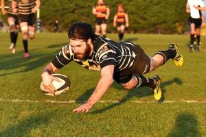 MAGIC MOMENT: Kieran Goss dives over to score a fine individual try during Chinnor's win over Cinderford Picture: Aaron Bayliss