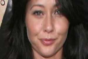 Shannen Doherty playing 'waiting game' in cancer fight