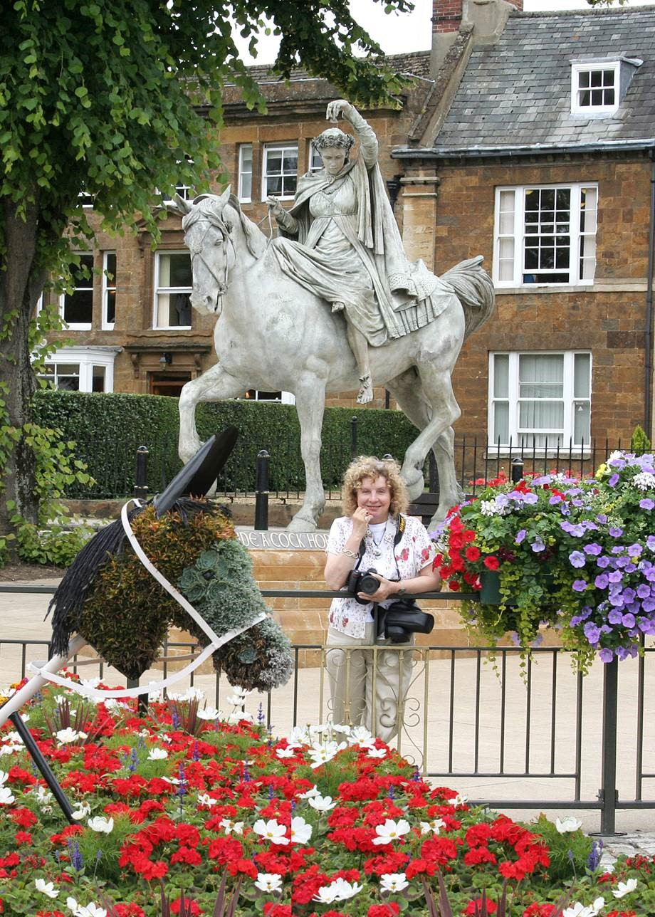 To see a Fine Lady… The story of the Fine Lady statue at Banbury Cross