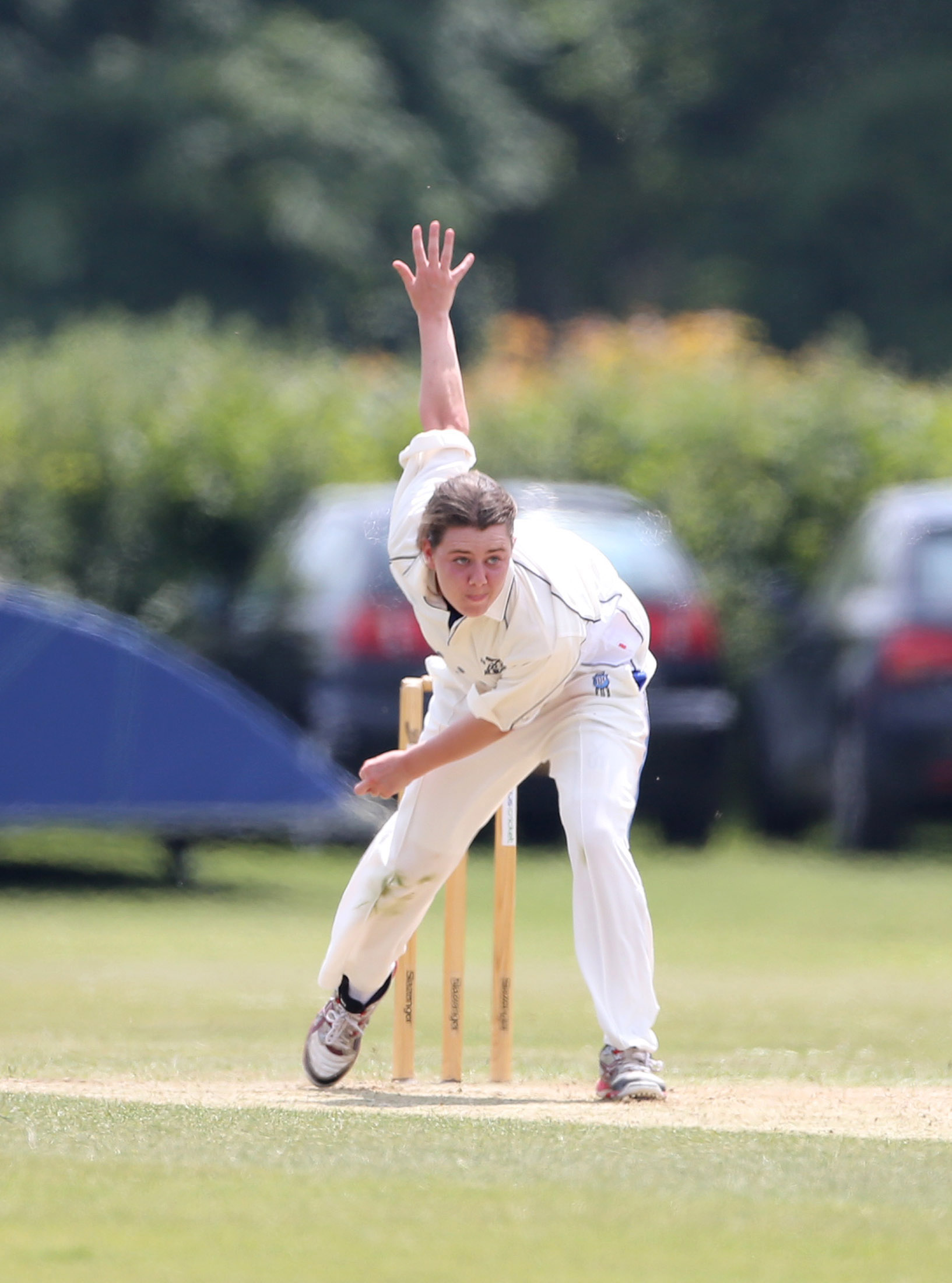 Linsey Smith, pictured in action for Aston Rowant in 2013, has been awarded a rookie contract with England Women