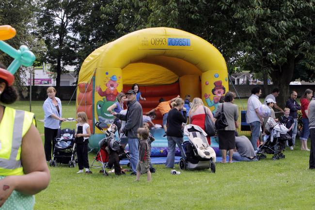Headington Summer Fun Day 2009. Picture: Damian Halliwell